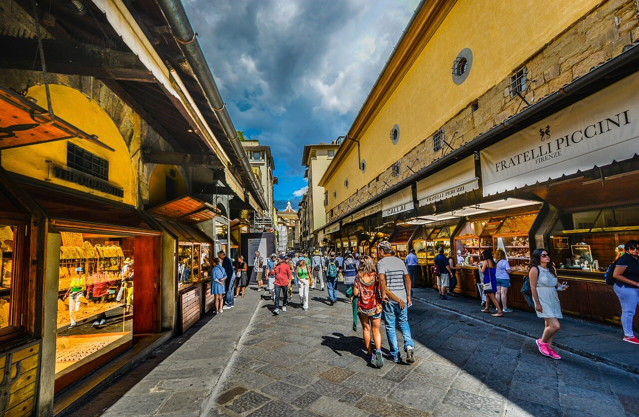 Inside Ponte Vecchio - Archievald Travel and Food